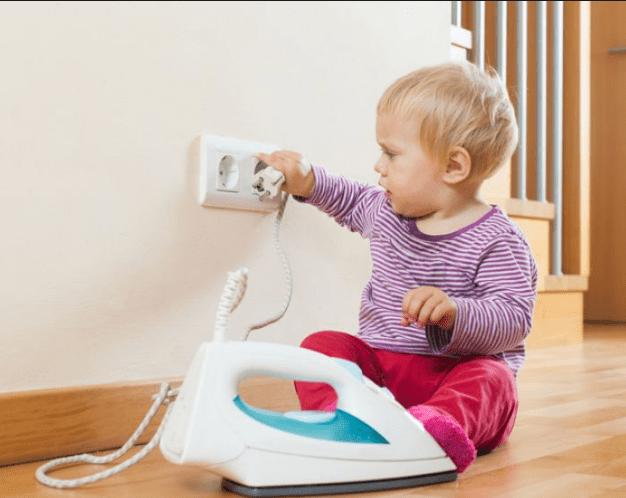 bahaya listrik pada anak kecil
