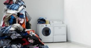 mencuci baju kotor